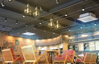 cafe_4way_close