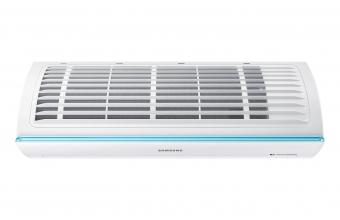 Trikampės-formos-sieninis-oro-kondicionierius-iš-viršaus-2.75-3.20-kW